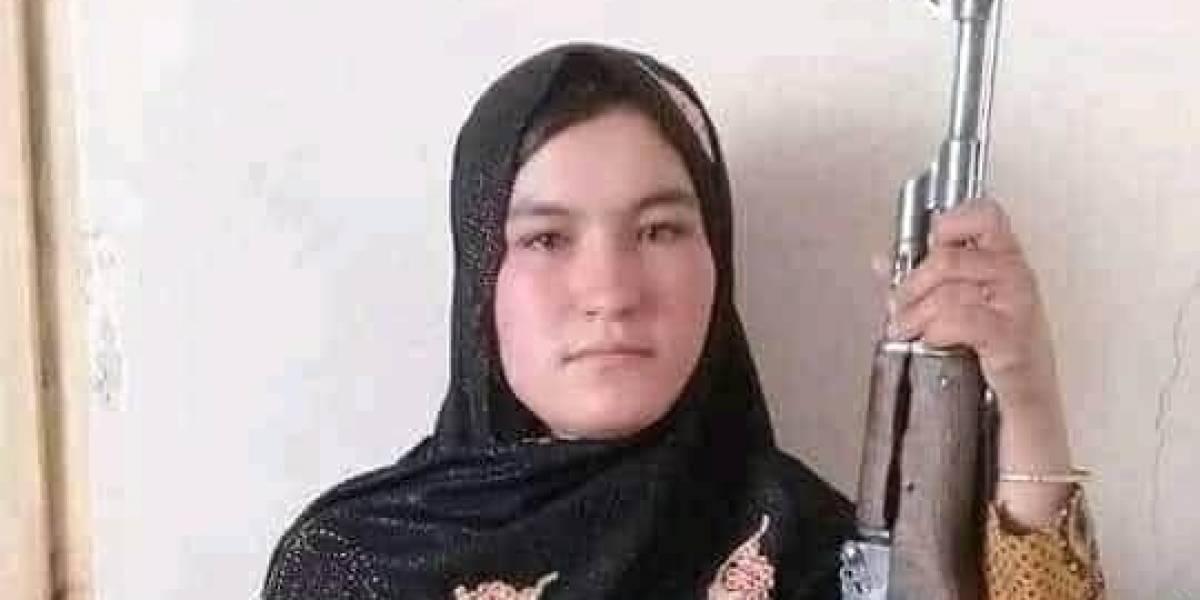 Furia y venganza: niña afgana mata a los asesinos de sus padres con un fusil