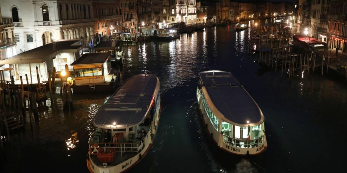 Veneza adere ao cinema drive-in, mas com barcos
