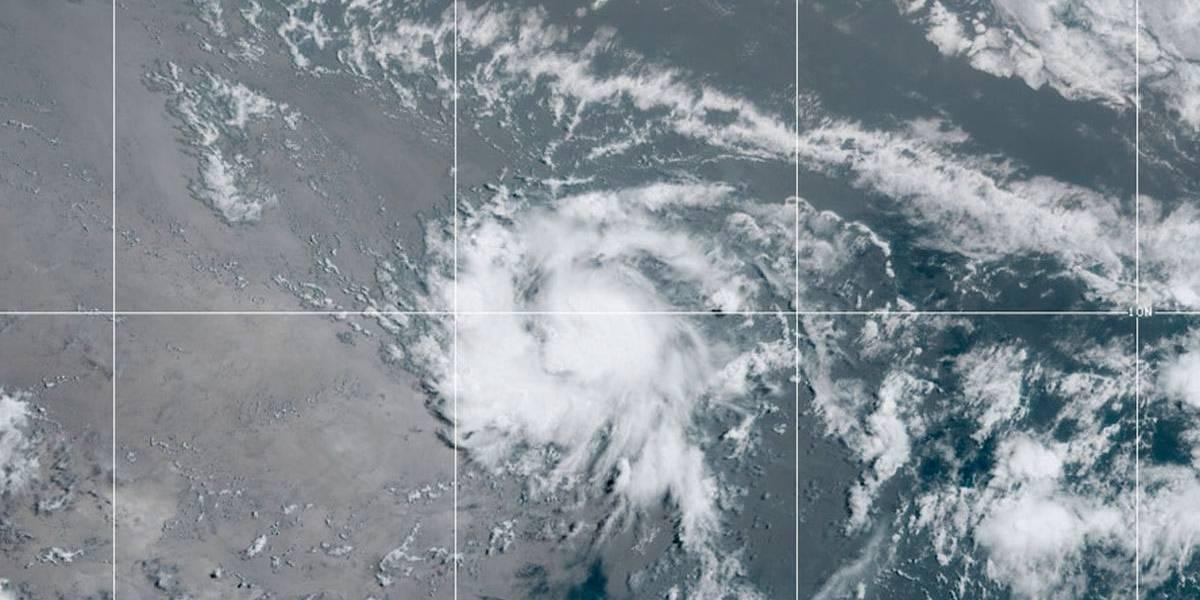 Tempestade tropical se forma no meio do Atlântico e pode virar furacão