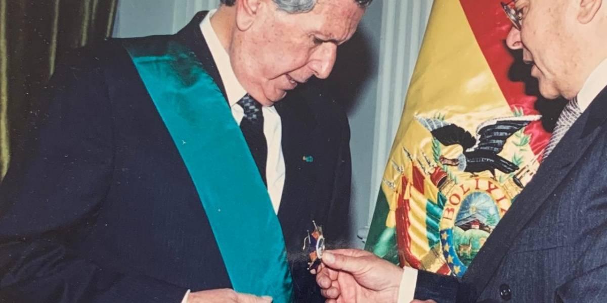 Falleció el Embajador Hernán Cueva Eguiguren