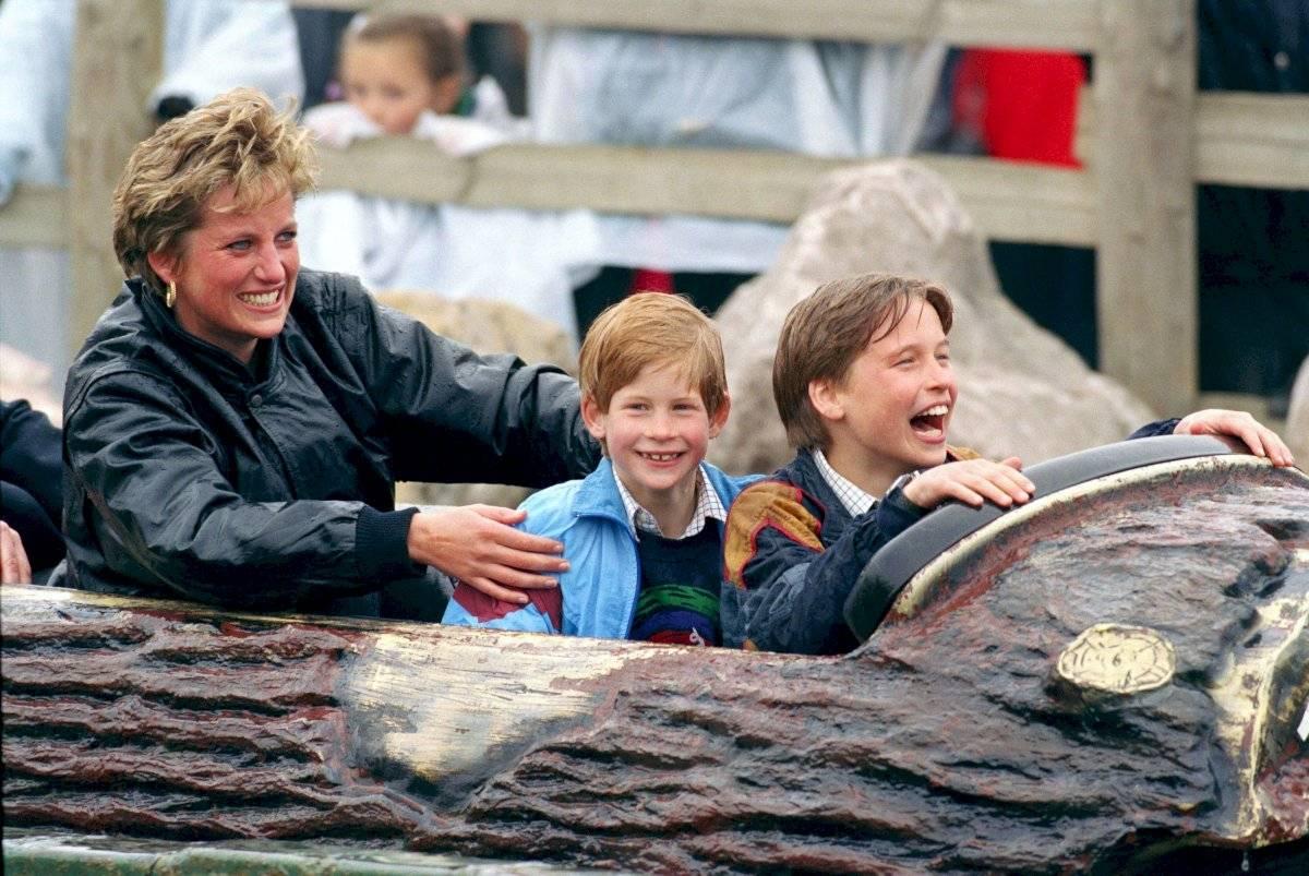 Fuera del protocolo real, la princesa Diana criaba a sus hijos con experiencias cotidianas