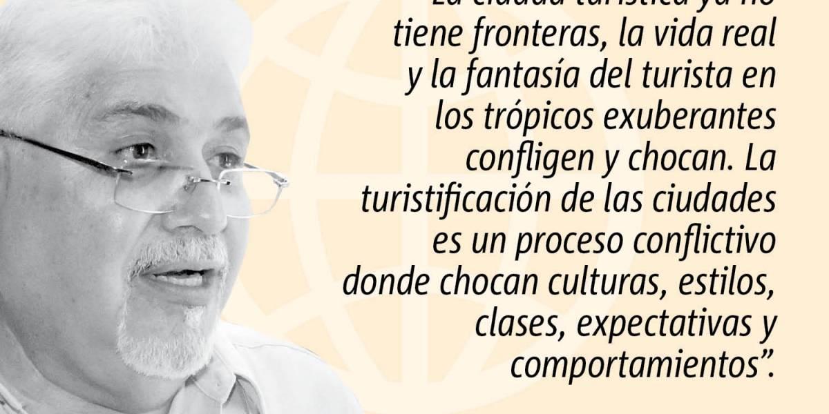Opinión de Emilio Pantojas García: Turistas