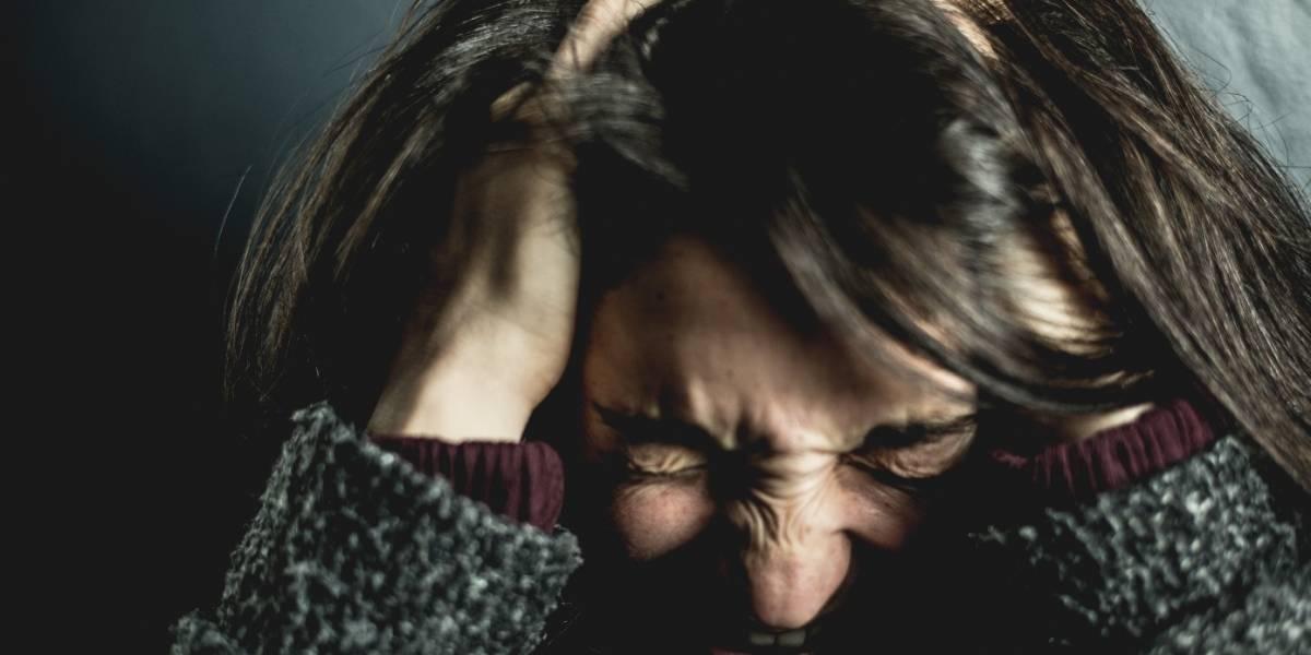 Dolor de cabeza, síntoma neurológico más frecuente en pacientes con COVID-19