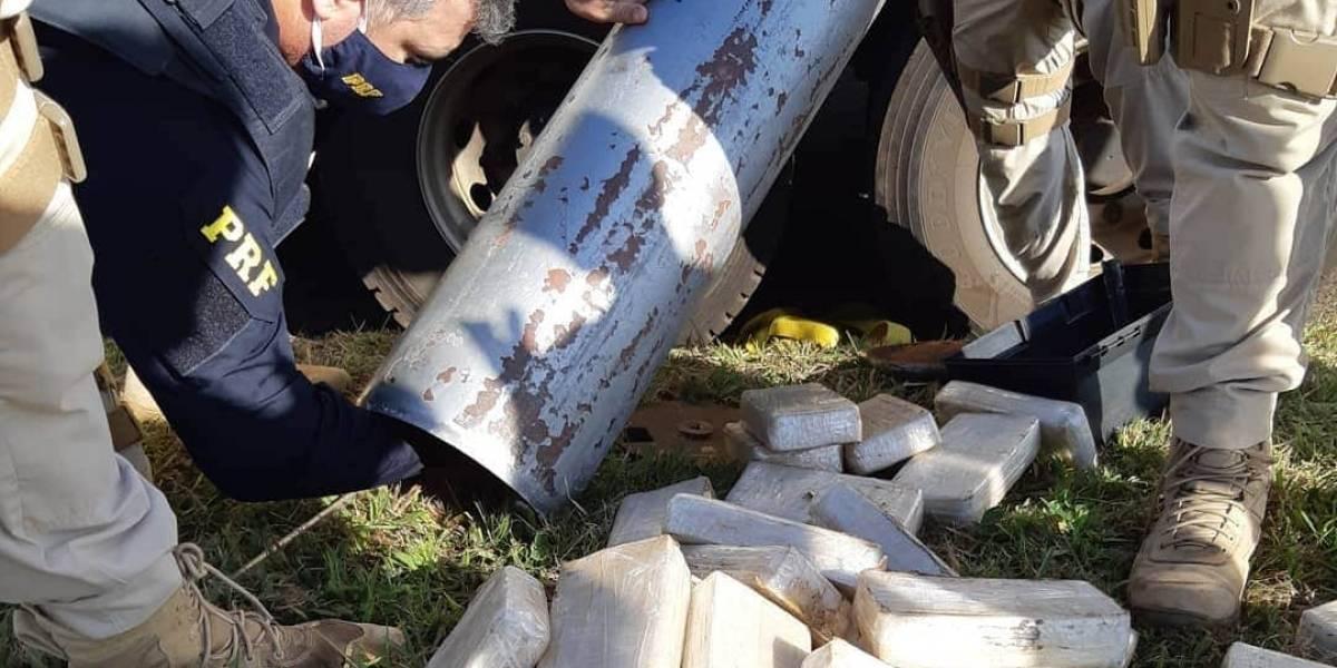 PRF encontra 751 kg de pasta base de cocaína em caminhão no interior de São Paulo