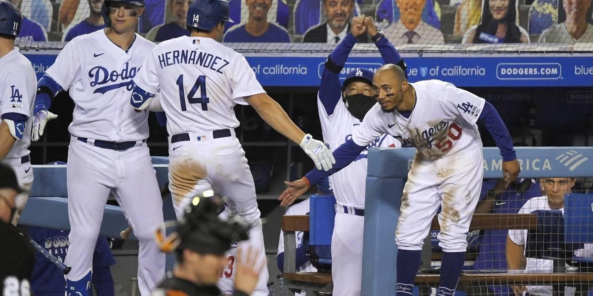 Kike Hernández produce 5 carreras; Dodgers abren campaña con triunfo