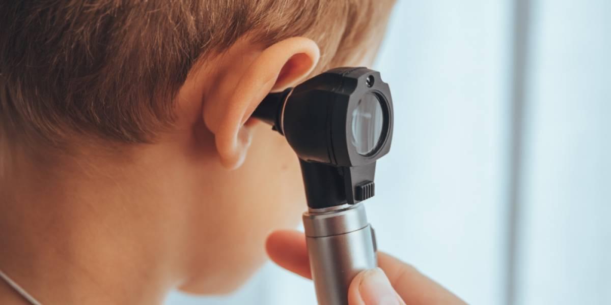 Lo que faltaba: coronavirus puede alojarse también en los oídos y provocar pérdida de audición