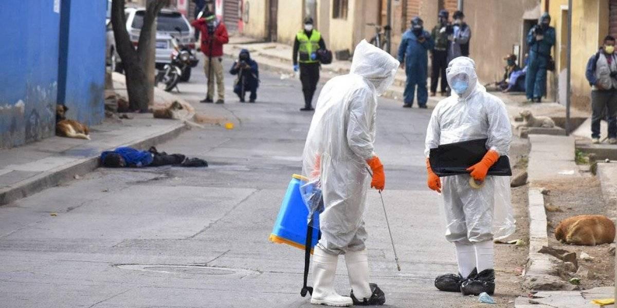 Bolivia: sacan a la calle cadáver de fallecido por covid-19 en protesta contra las autoridades