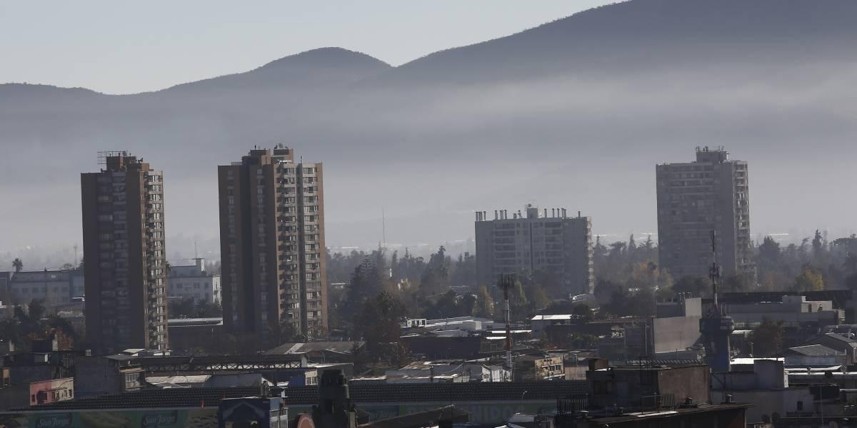 El aire no da tregua: Intendencia decretó para hoy la tercera preemergencia ambiental del año en la RM