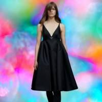 Prada revive a tendência de vestido com calça e aqui estão alguns looks para inspirar