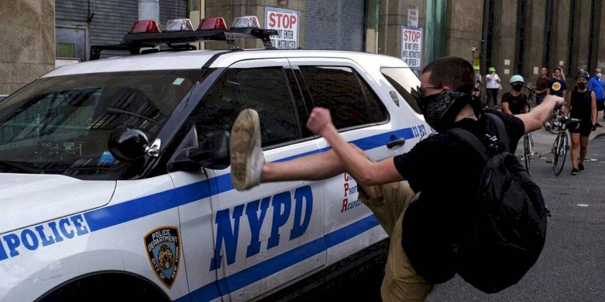 Más de 300 vehículos policiales dañados en protestas en Nueva York