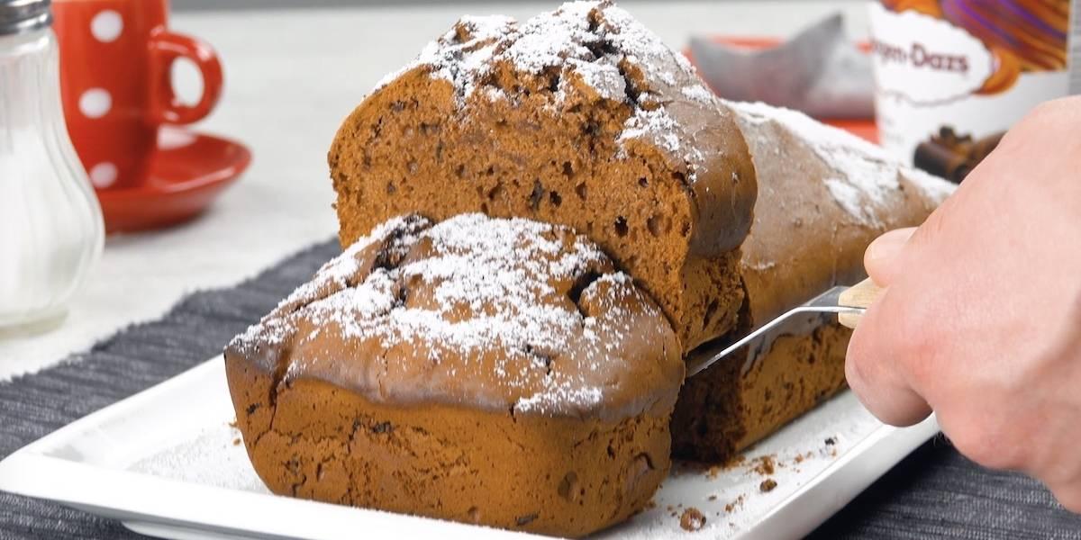 Aprenda a fazer um delicioso bolo de sorvete com apenas 3 ingredientes