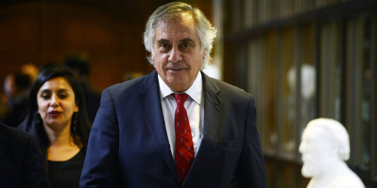 El senador Rafael Prohens reemplaza a Mario Desbordes como presidente de Renovación Nacional