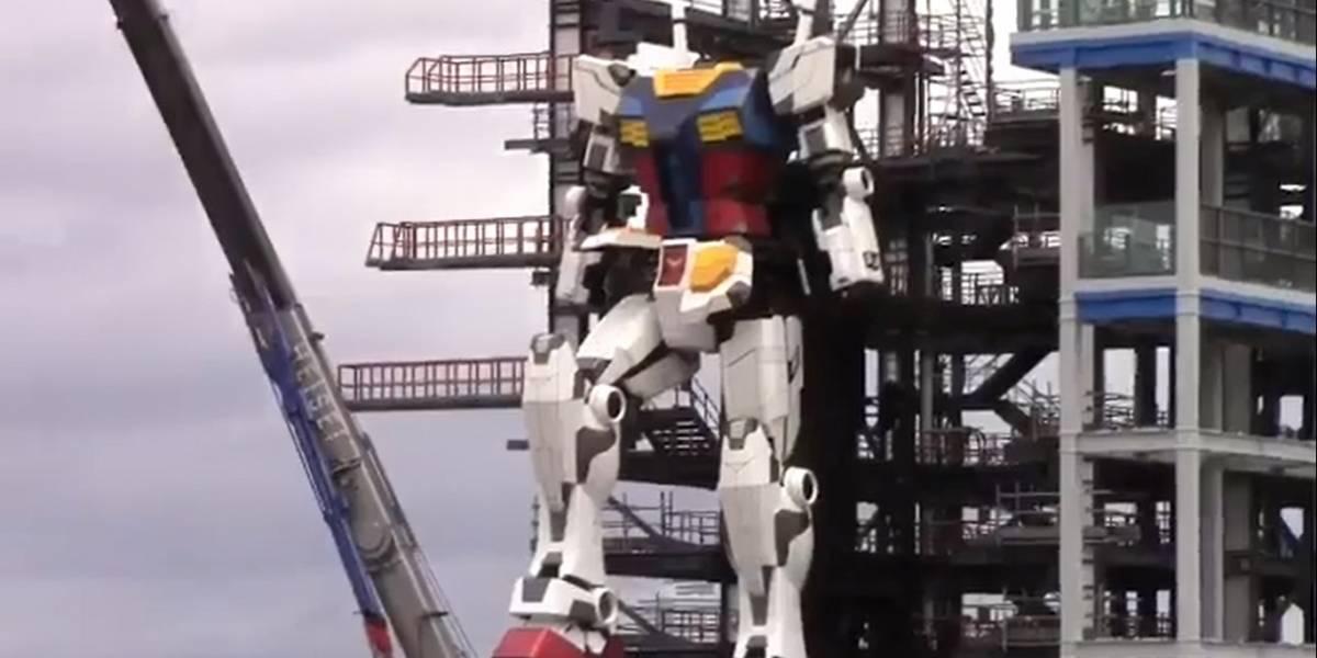 Imponente: el gigante robot de Gundam realiza sus primeros movimientos de piernas