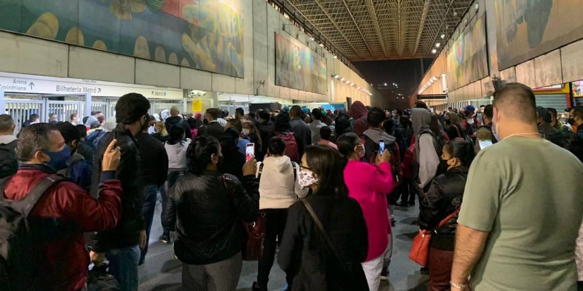 Sindicato suspende greve no Metrô nesta terça, mas abertura de estações atrasa