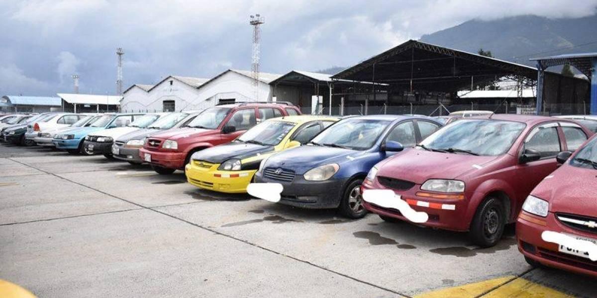 Quito: Pasos para recuperar un auto retenido por incumplir restricción vehicular