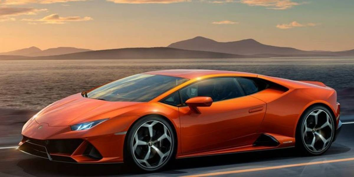 Se pasó: lo acusan de comprar un Lamborghini con dinero para ayudar a afectados por el coronavirus