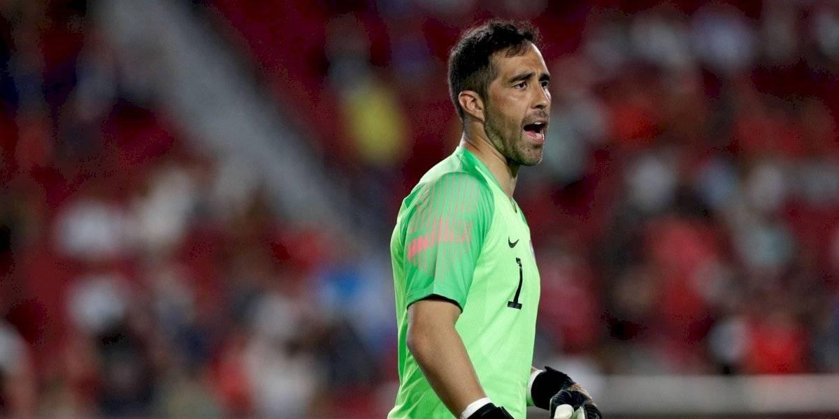 """Pellegrini y lesión de Claudio Bravo: """"Le va a costar llegar al partido del sábado ni creo que esté para la eliminatoria con Chile"""""""