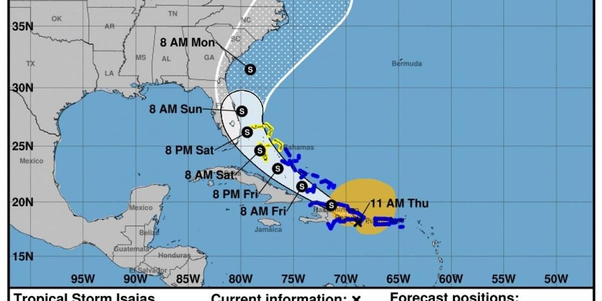 Tormenta Isaias deja fuertes lluvias mientras se sigue alejando de la isla