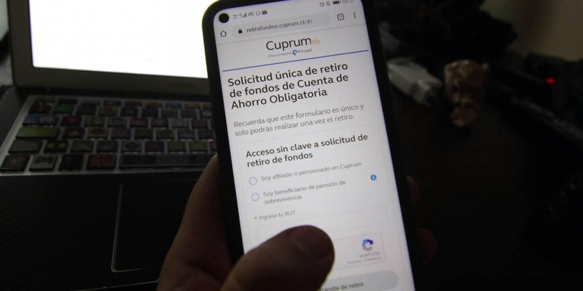 """""""Papitos corazón, se les acabó la fiesta"""": presentan proyecto para forzar retiro del 10% a padres que no han pagado pensión alimenticia"""