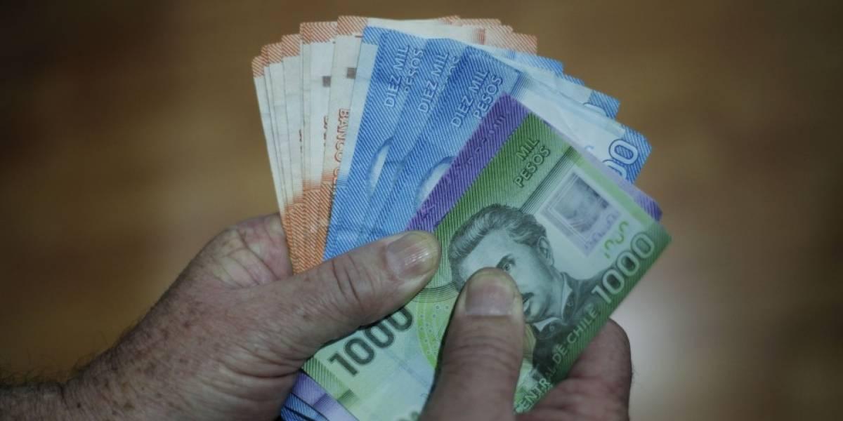 ¿No tienes deudas y sacarás el 10% de las AFP? Especialistas entregan consejos para invertir