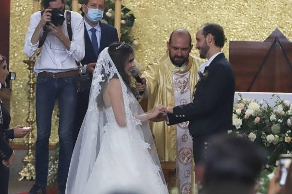 Camila Fernández se casa en boda sorpresa a nueve meses de ...