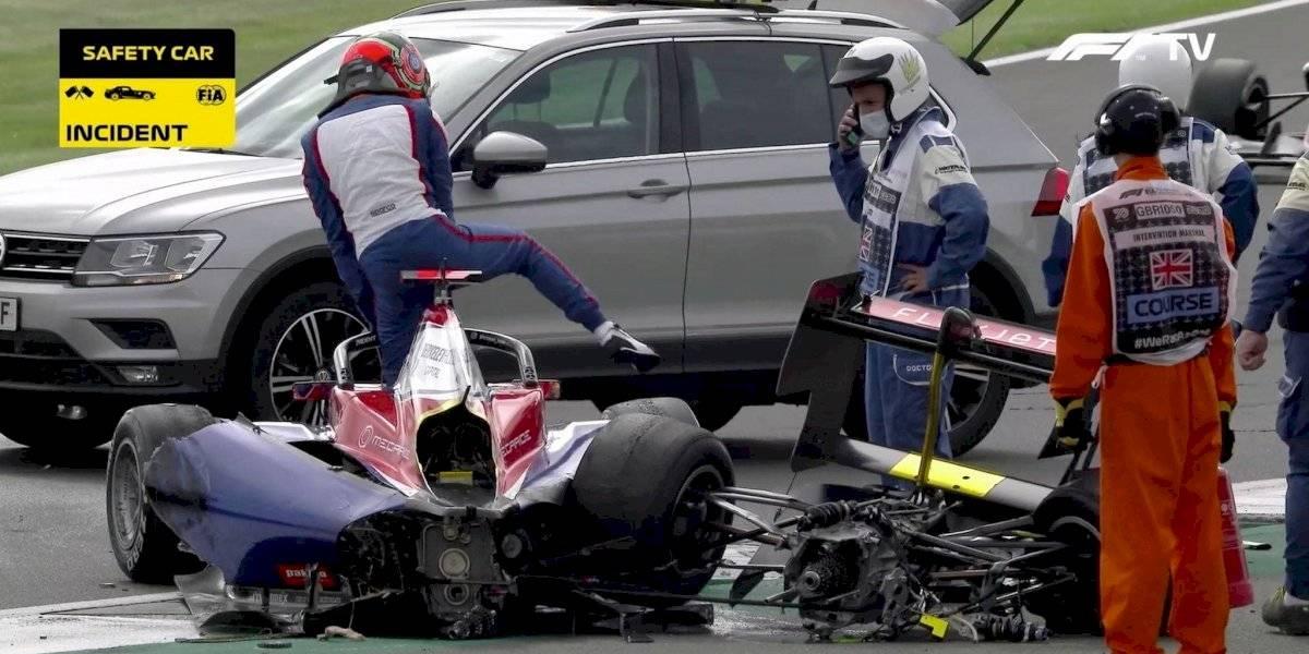 VIDEO: Coche termina destrozado tras aparatoso accidente en Fórmula 3