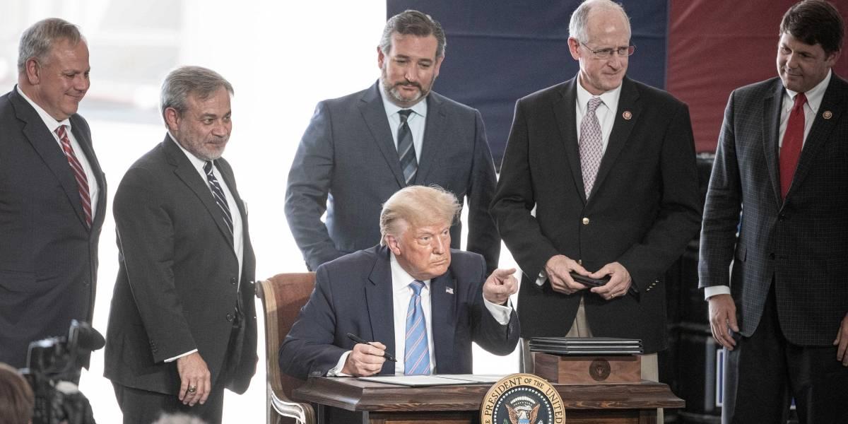 EEUU.- Trump aprueba la declaración de emergencia en Florida por el huracán 'Isaías'