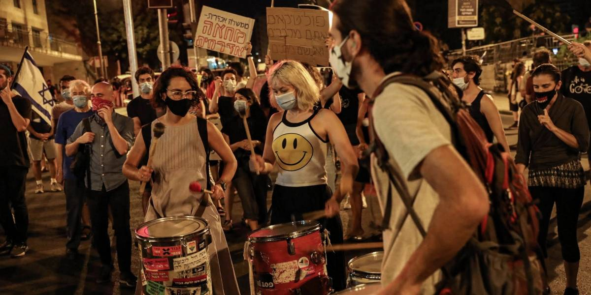 Israel.- Detenidas doce personas tras una nueva noche de protestas contra Netanyahu en Israel