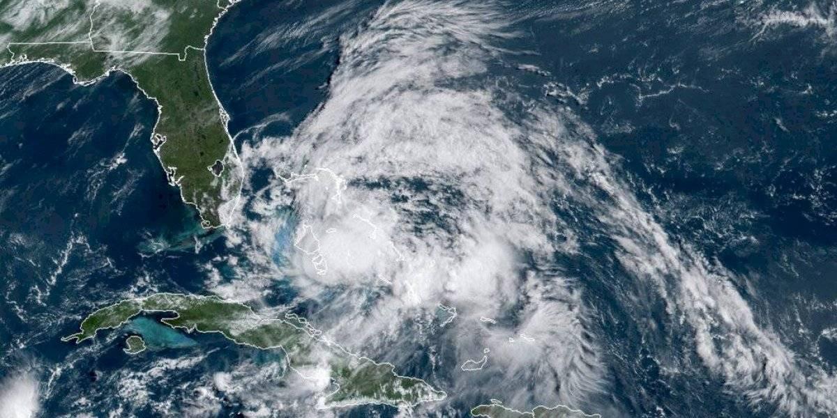 La tormenta tropical Isaías llega a Florida