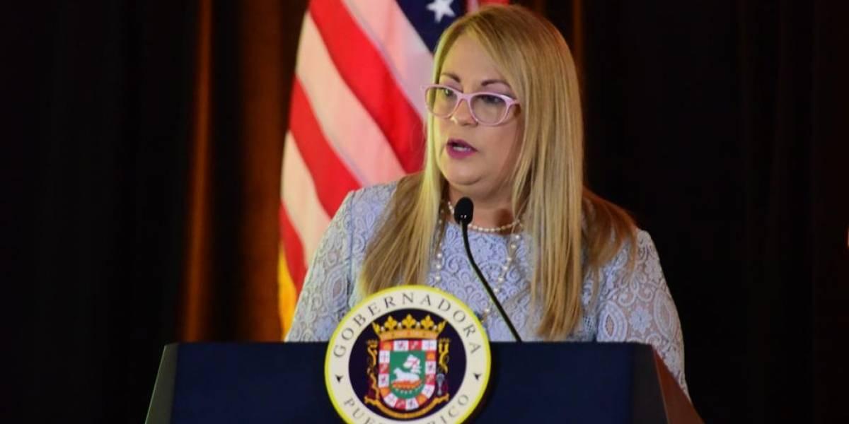 Maestros exigen a Gobernadora cumpla con aumento de salario prometido