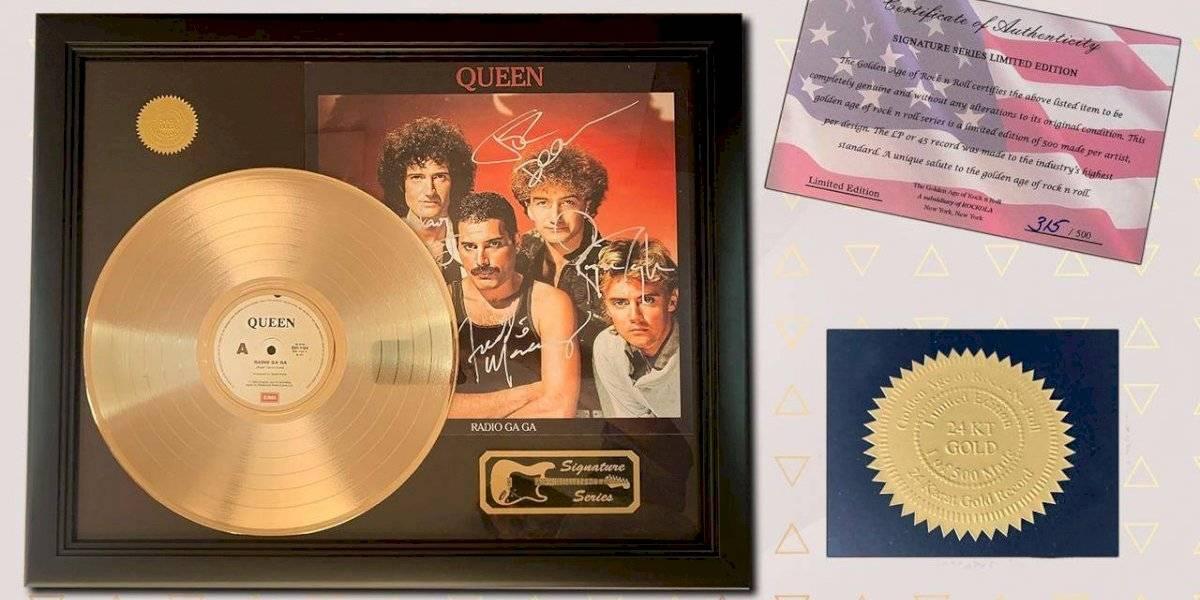 ¿Cuánto darías por un disco firmado por Elvis Presley? El mundo de la subastas llega a Chile