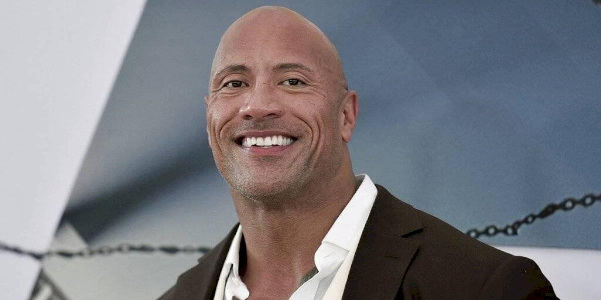 """Dwayne """"The Rock"""" Johnson compró una liga de fútbol americano"""