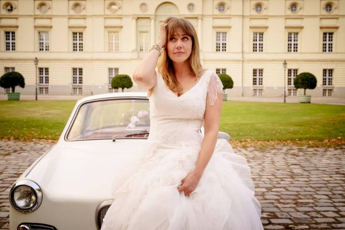 Una chica debe escapar de su boda luego de que aparece el amor de su vida