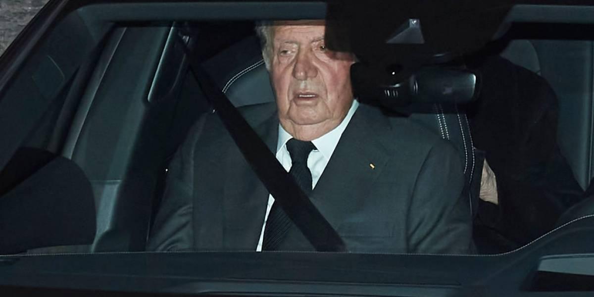 Juan Carlos I anuncia que se marcha de España en medio de investigaciones por delito fiscal y blanqueo de capitales