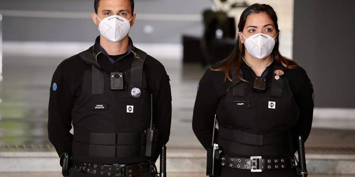 Agentes de segurança do metrô de SP começam a usar câmeras no uniforme