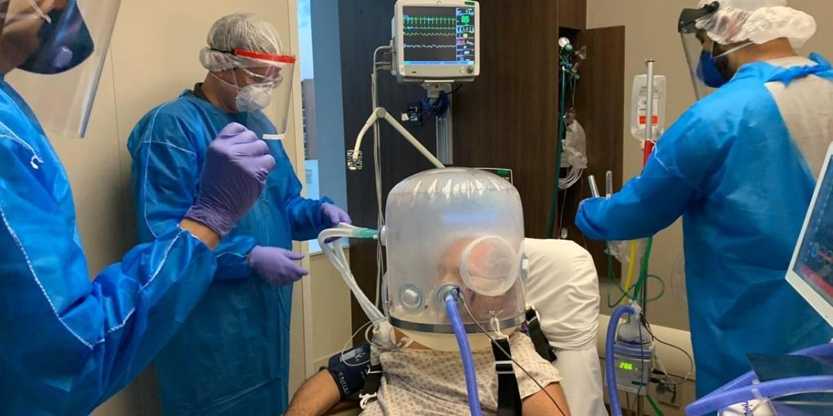 Capacete de ventilação substitui intubação e já é usado em 9 estados
