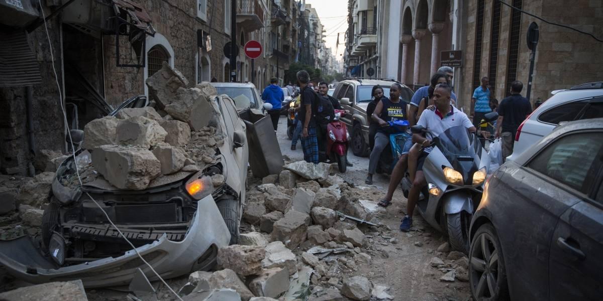 Grande explosão destrói parte de Beirute e mata ao menos 50 pessoas
