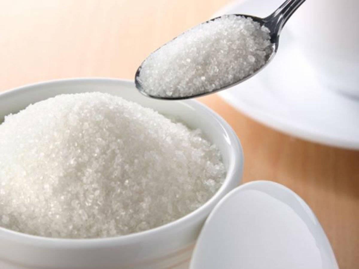 El azúcar es excelente para remover las células muertas