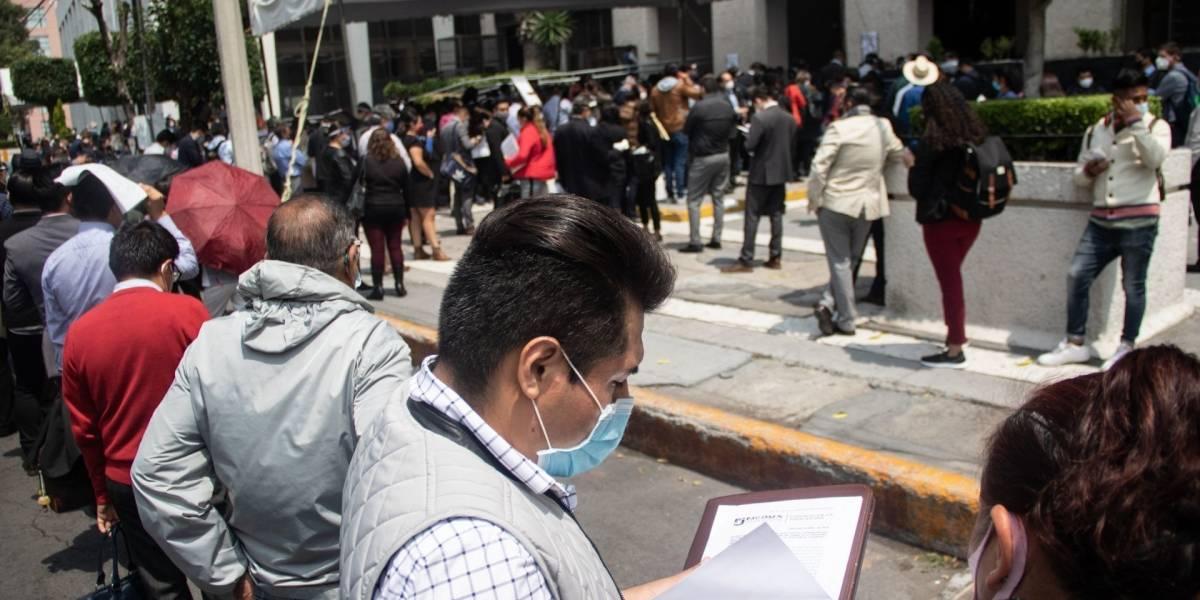 GALERÍA: Largas filas y tumultos durante la reapertura de juzgados y tribunales federales