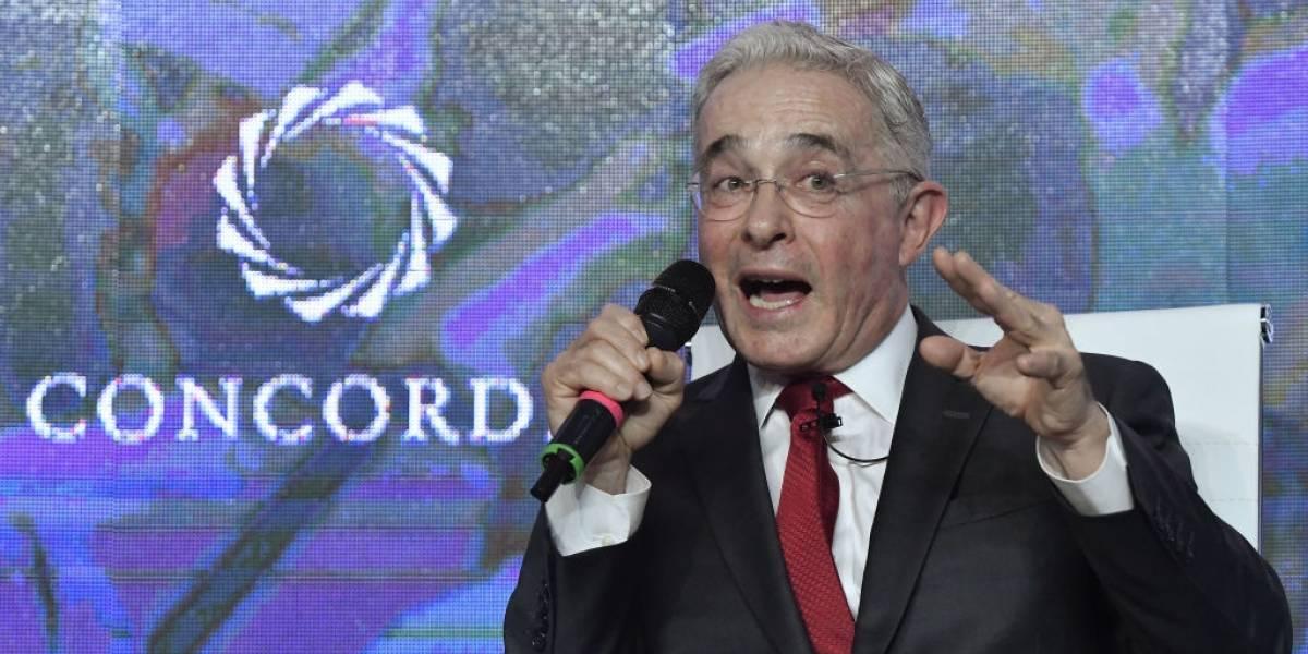 """""""Una grabacioncita para Petro"""": la petición que le habría hecho Álvaro Uribe al abogado Cadena"""
