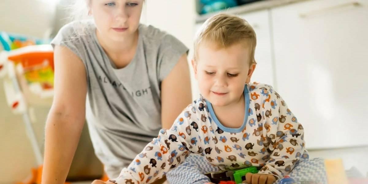 Pais de crianças pequenas estão entre mais afetados psicologicamente pela pandemia
