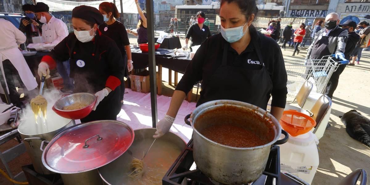 Restaurantes podrían quedar obligados por ley a donar alimentos sobrantes