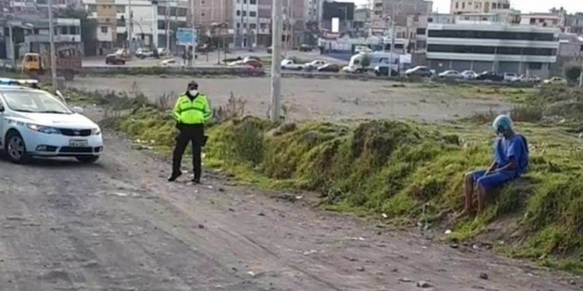 Policía encontró a hombre que escapó de hospital en Riobamba tras dar positivo para COVID-19