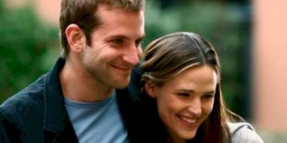 Bradley Cooper y Jennifer Garner son captados felices en la playa y hay rumores de romance