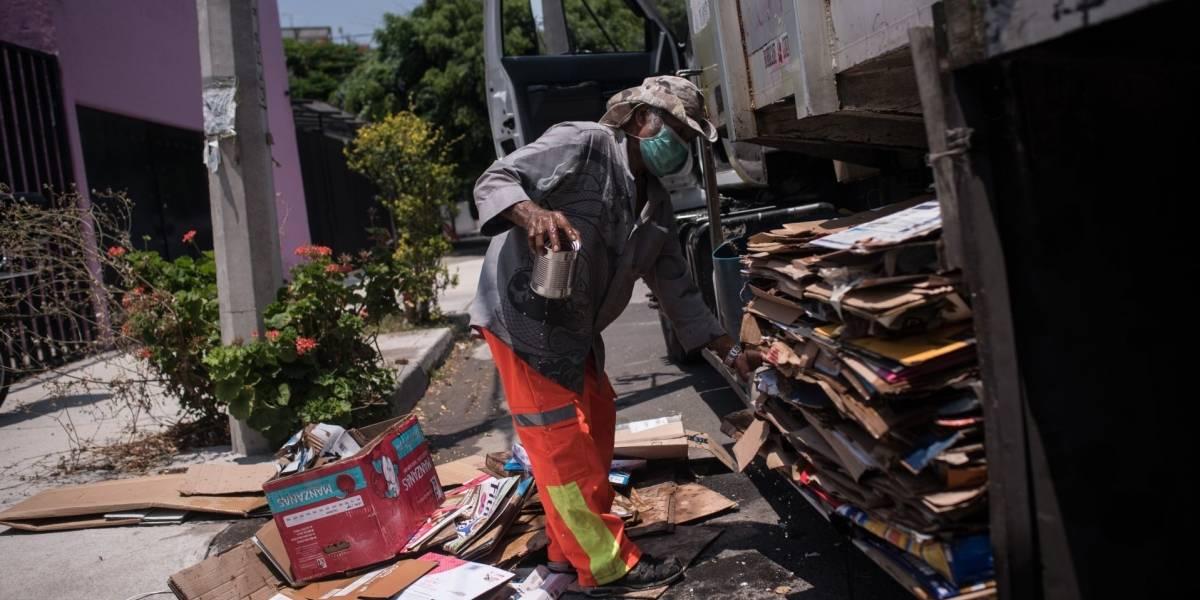 Recolectores de basura en CDMX, sin prestaciones, cubrebocas ni salario fijo