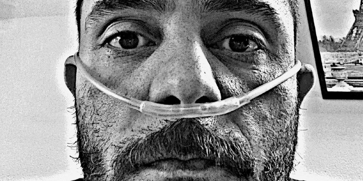 Conectan a Ricardo Casares a un respirador por COVID-19