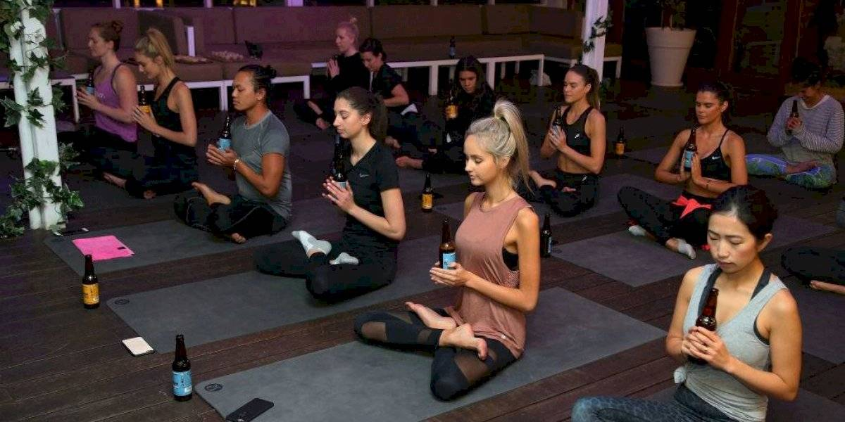 El 'Yoga cervecero': la moda fitness de Alemania para el mundo