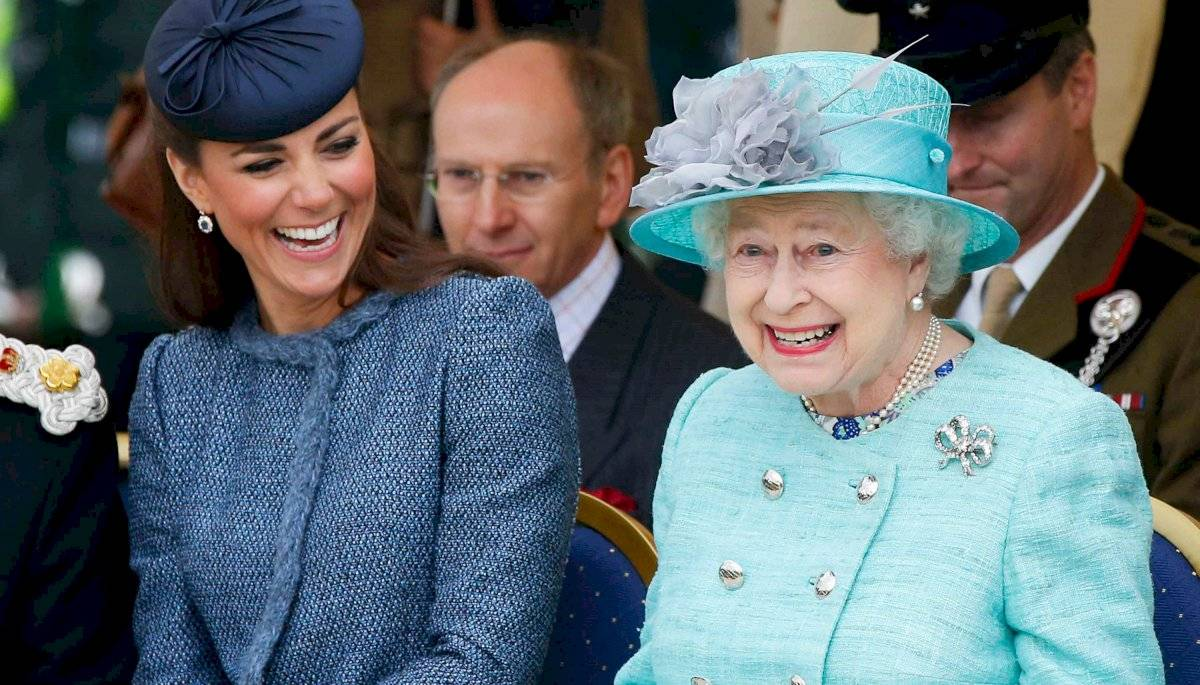 Las royals deben usar sombreros, pero nunca más grandes que los de la Reina Isabel