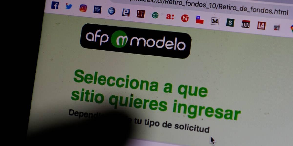 """Superintendencia de Pensiones oficia nuevamente a AFP Modelo por """"errores de notificación"""" en retiro del 10%"""
