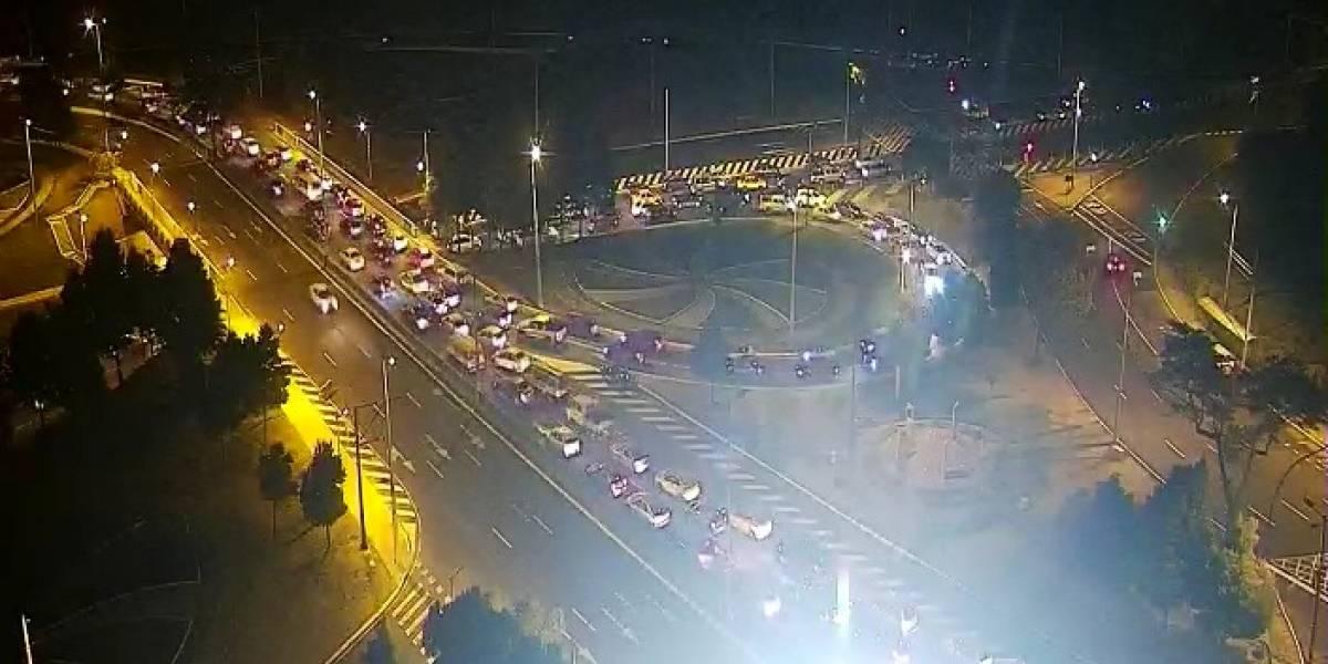 Reportan tráfico pesado en Quito pese a que el toque de queda comenzó a las 19:00